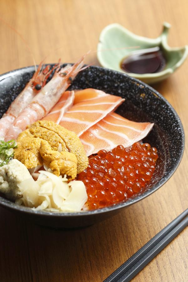 四色海鮮蓋飯