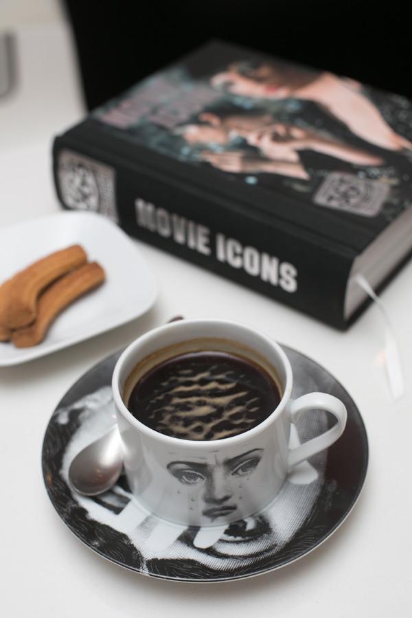 咖啡香佐書香