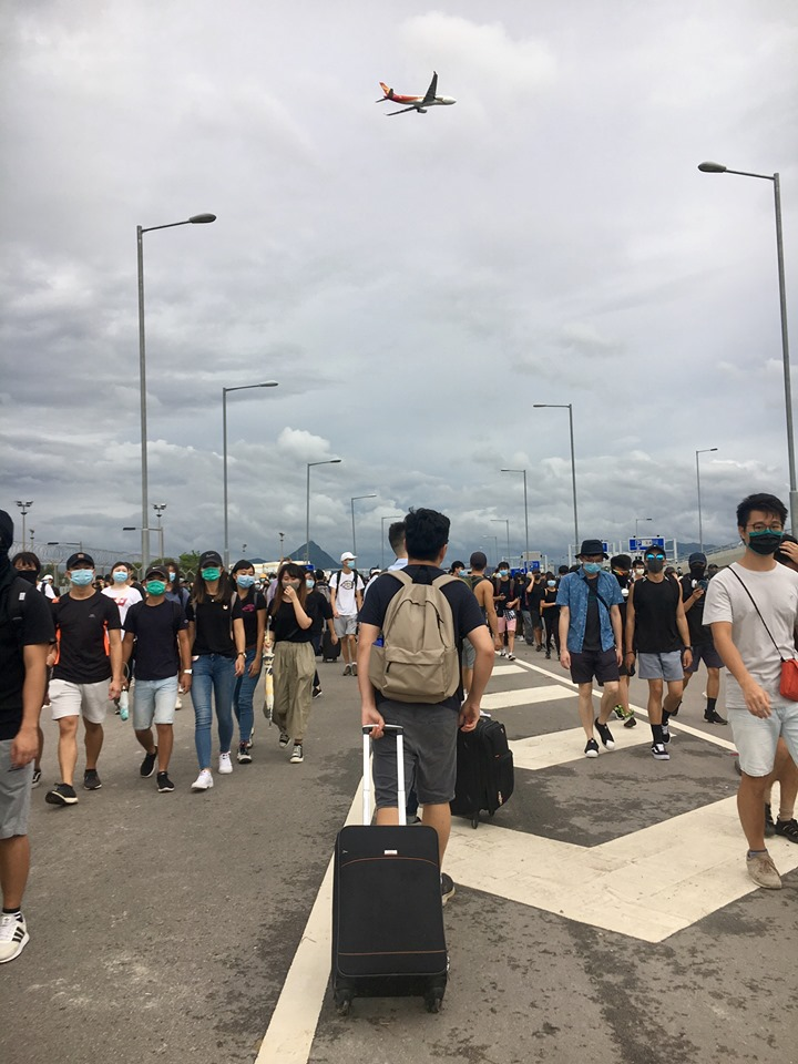 香港機場反送中示威者敦克爾克大撤退