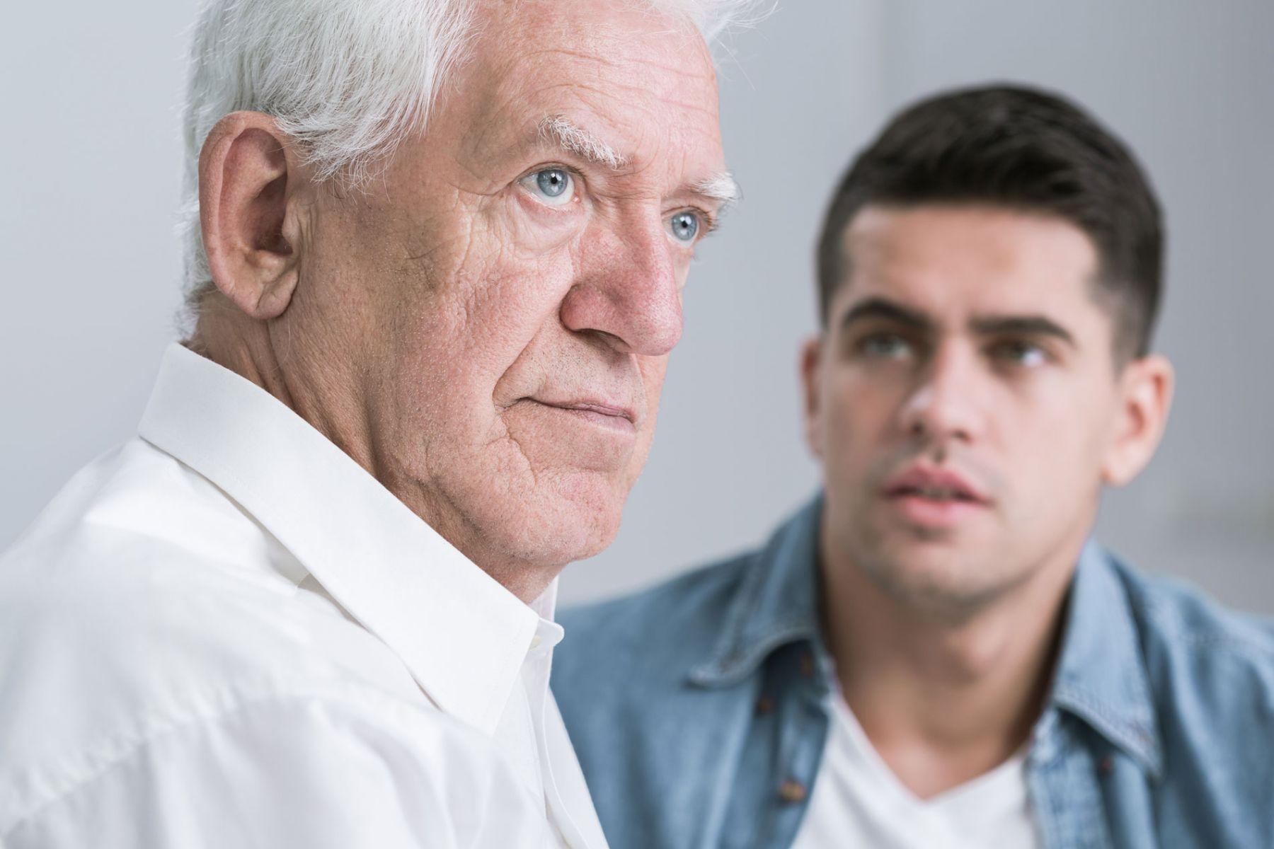 一直在等待爸爸認同的四十歲兒子