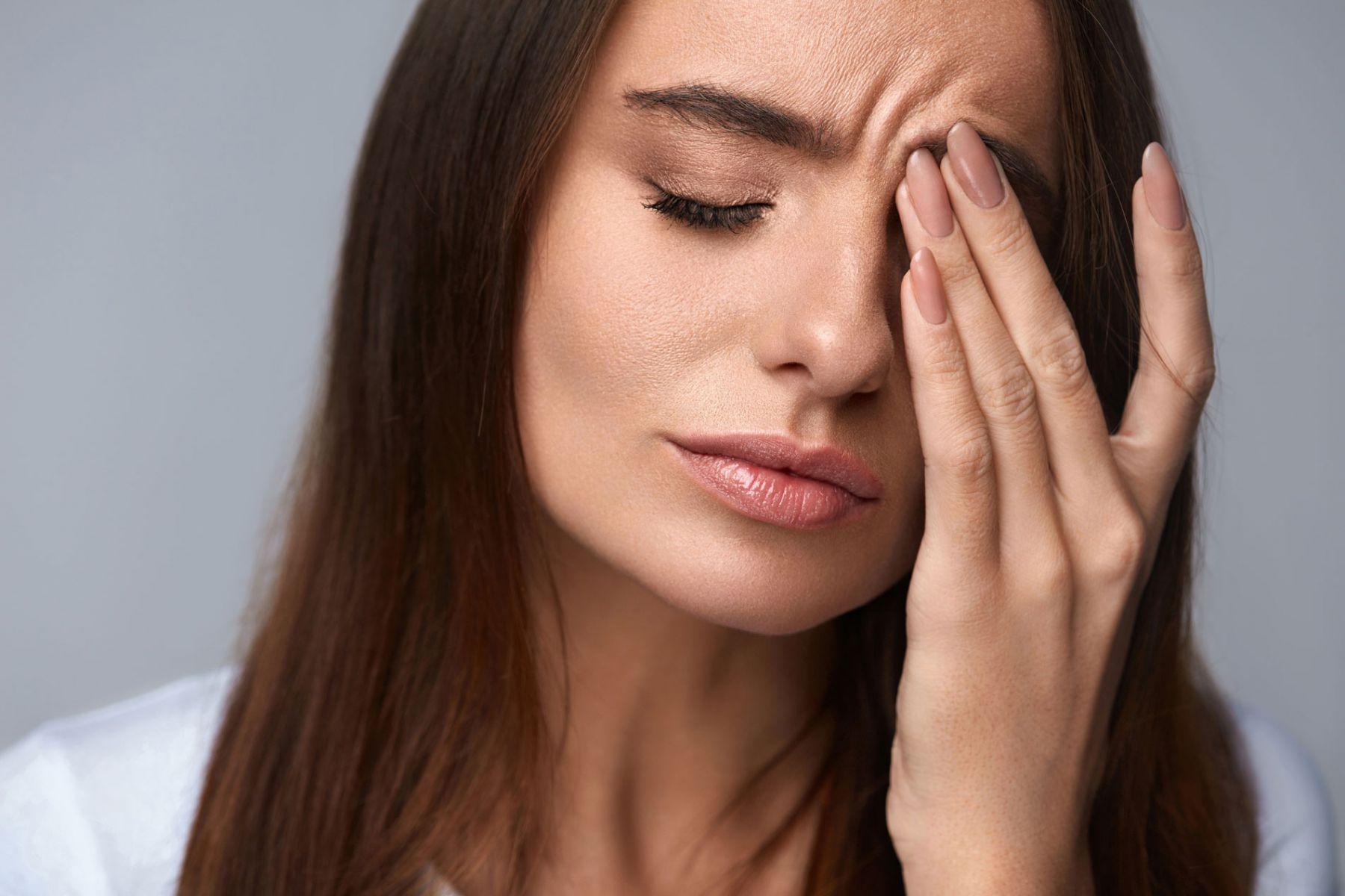眼睛一旦疲勞,有可能會引發頭痛