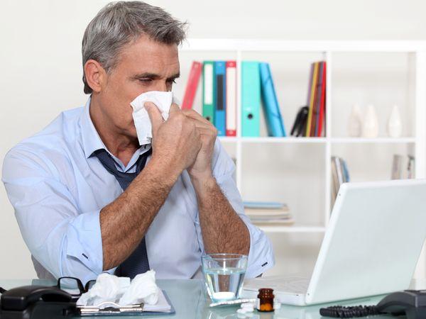 腫燒汗瘦累鼻塞 當心淋巴癌六症狀
