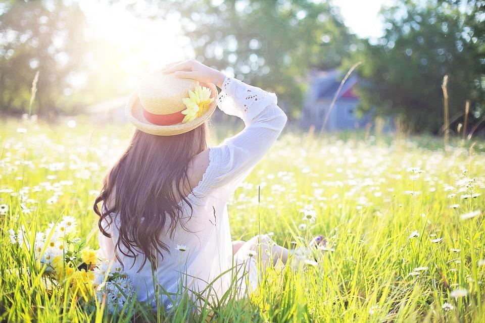 50歲後天天做!每天10分鐘曬太陽補充維生素D,預防癌症、更年期障礙、骨鬆最高效