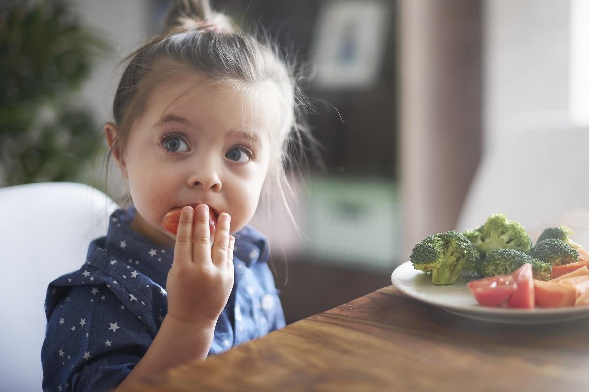 「我不吃!」父母這樣教,才是讓孩子偏食的原因