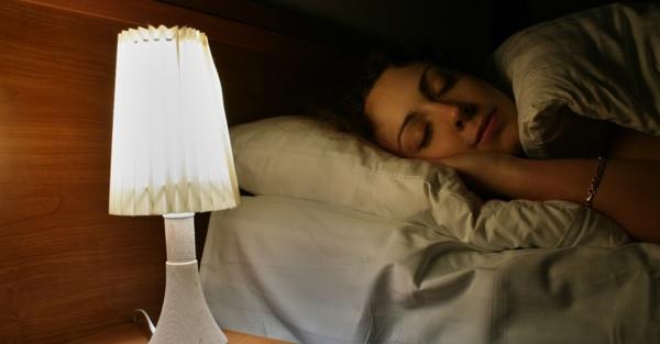 別再熬夜念書了,睡眠充足學習效果才會好!