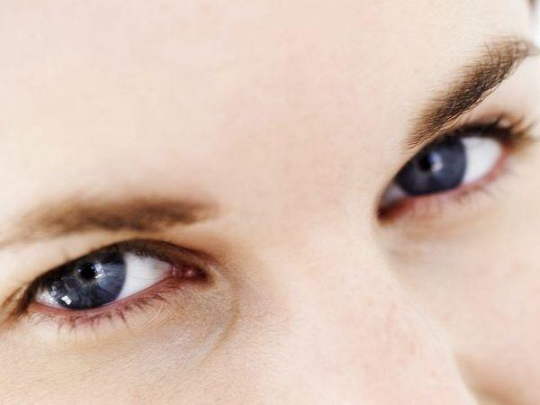 眼睛好累 眼球運動+穴位按摩改善不適