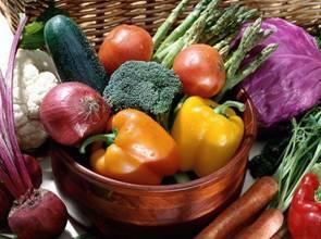 護眼飲食兩原則 紫紅綠蔬菜+避免高GI食物