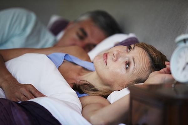 熬夜睡不好干擾胰島素作用 血糖恐飆升