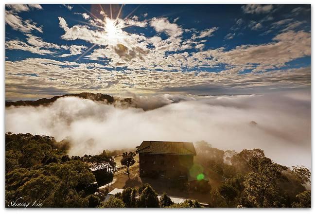 藍天召喚 拿起相機數雲去