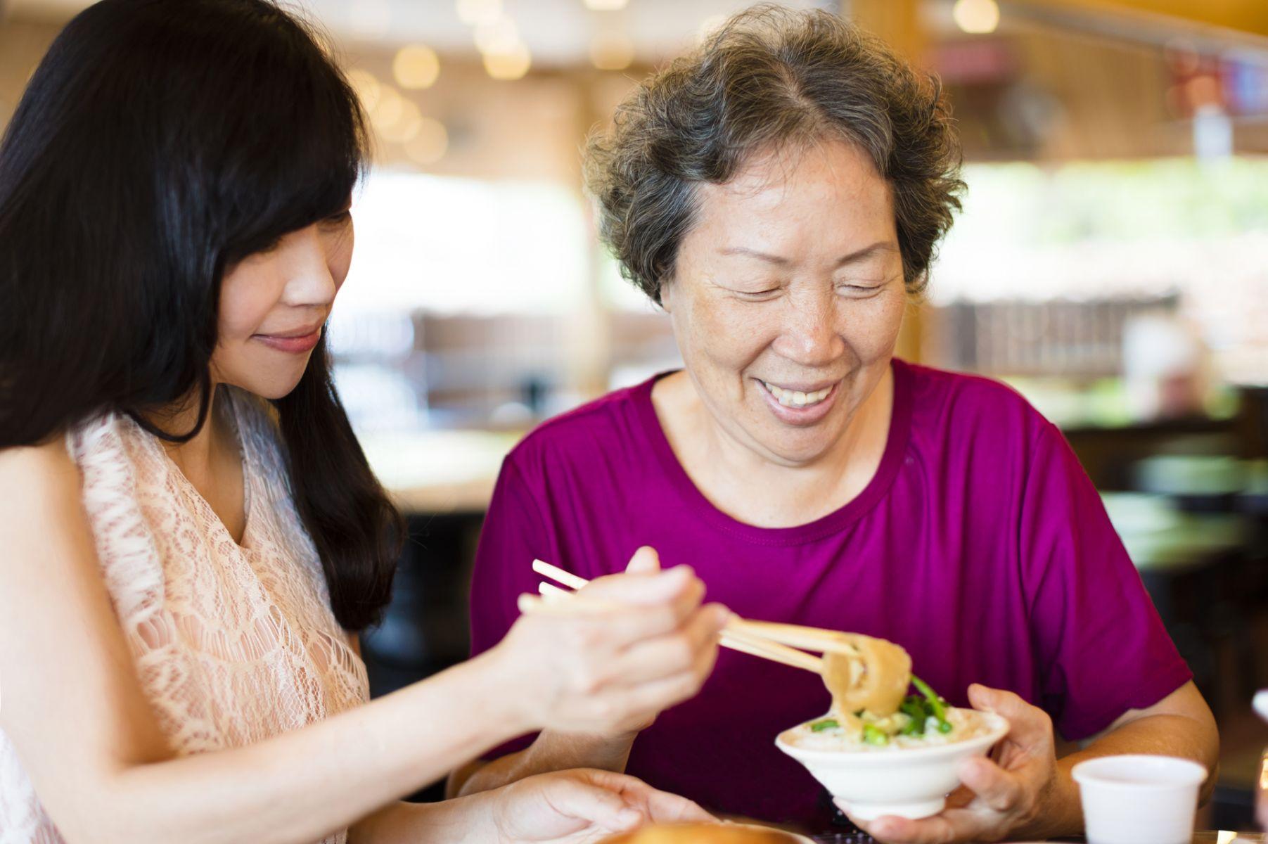 改善長輩吞嚥困難 專家提出5項建議