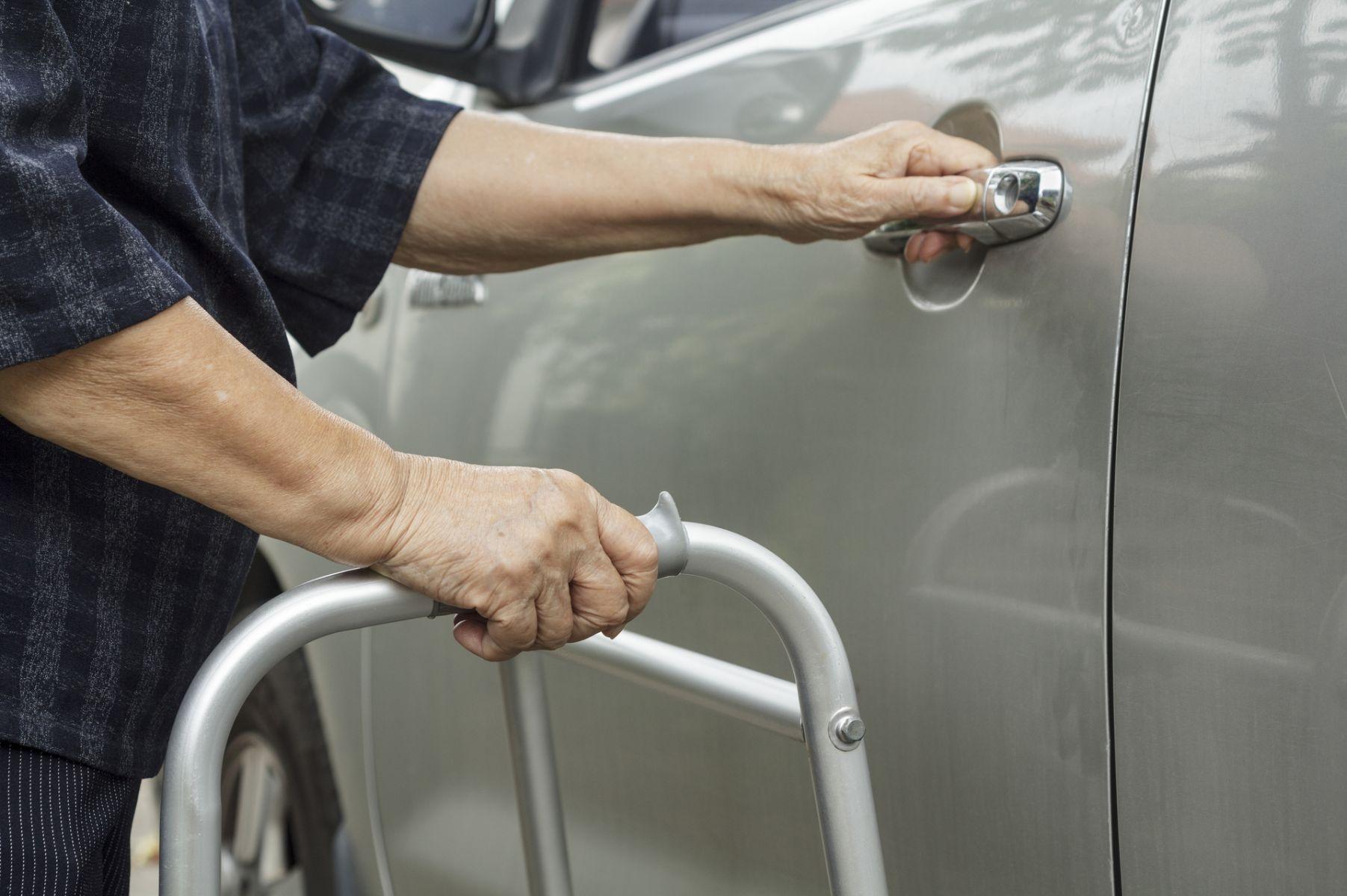 年長者、行動不便者就醫 善用交通服務方案