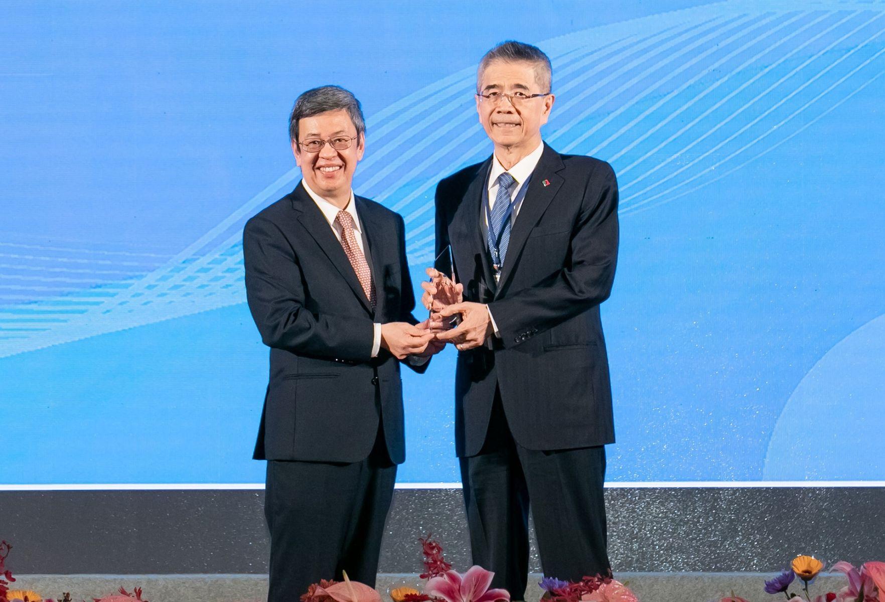 台灣服務業唯一 信義房屋獲全球企業永續報告獎