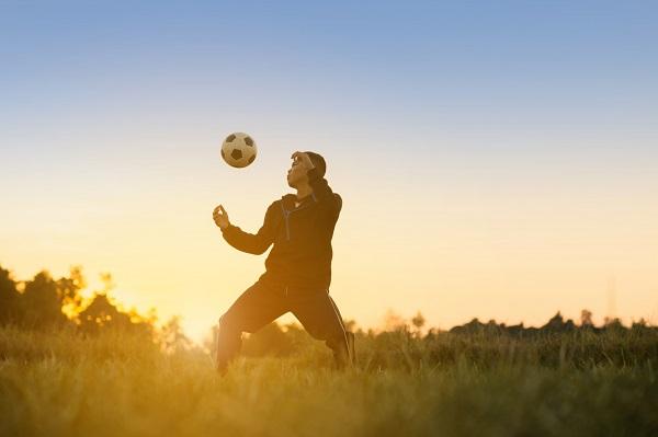 性感足球翻轉人生 「為你在意的站起來,你才站得起來」
