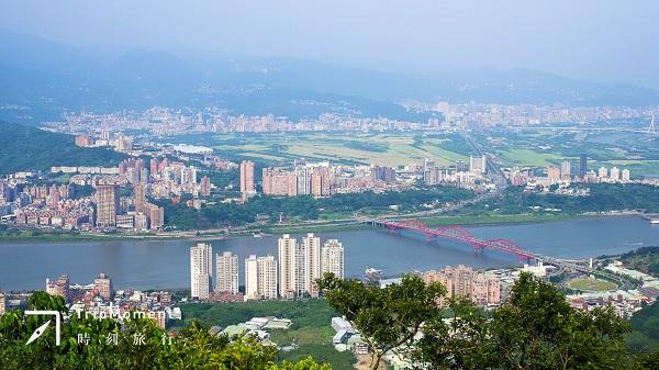 五股尖山步道》來一趟「淡水富士山」之旅  瞭望臺北淡水街景