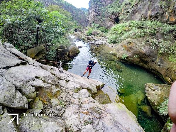 新手、沒運動習慣也可以的「半屏溪溯溪」!清澈溪水中看見瑞芳往日風華