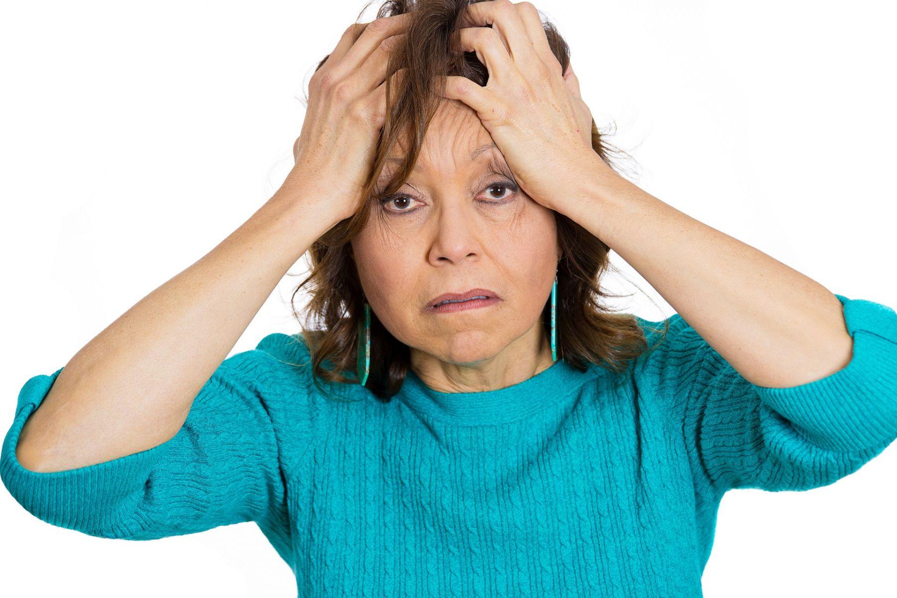 經期不順、熱潮紅、喜怒無常...是更年期的前兆嗎? 專家教你這樣判斷