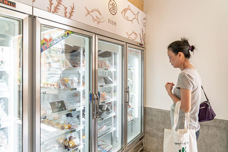 有心肉舖子店內堅持只賣冷凍國產肉品