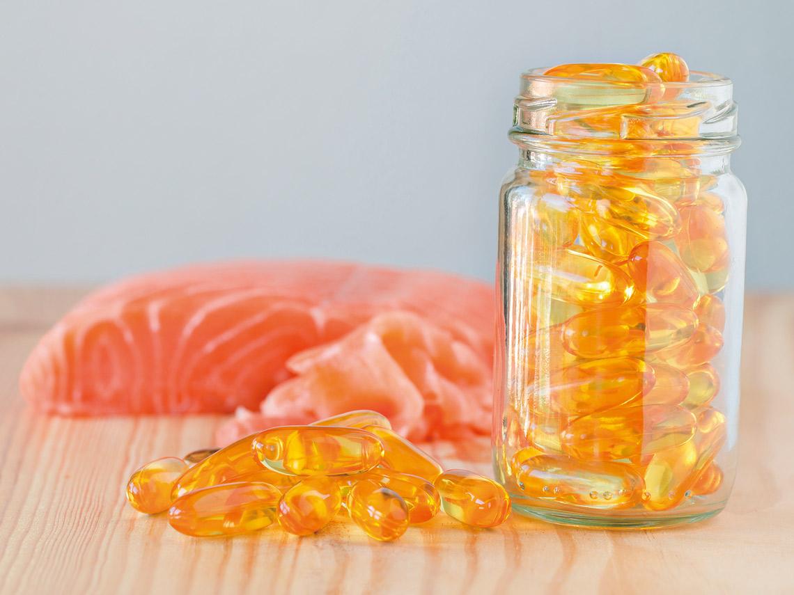 魚油含Omega-3脂肪酸魚油對人體有益的成分是Omega-3脂肪酸鮭魚鯖魚鮪魚秋刀魚等也都富含此成分