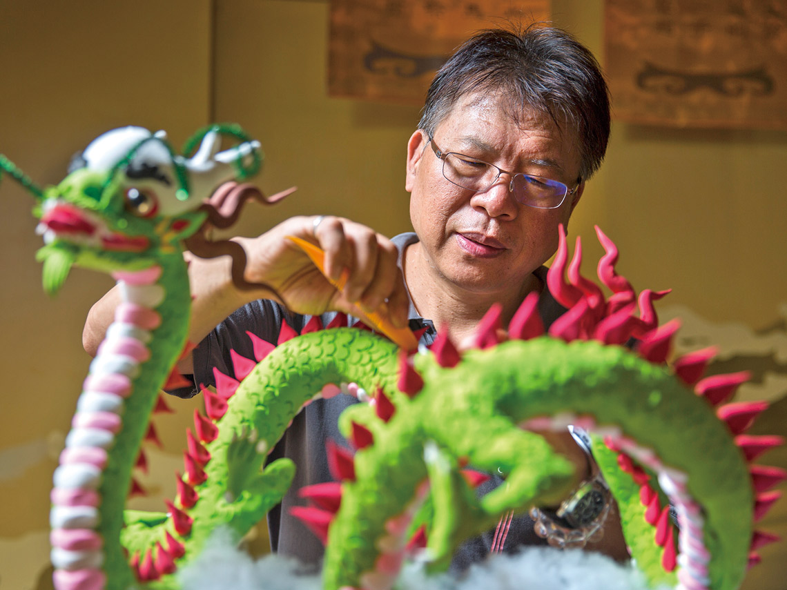 憑著兒時記憶巫俊德用雙手捏出台灣的純樸民俗