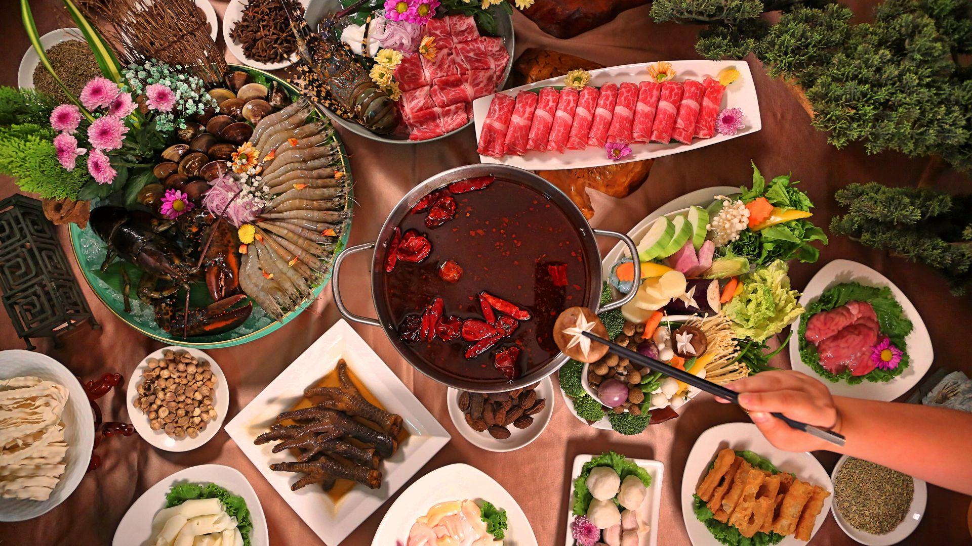 「木蘭閣」 麻辣火鍋