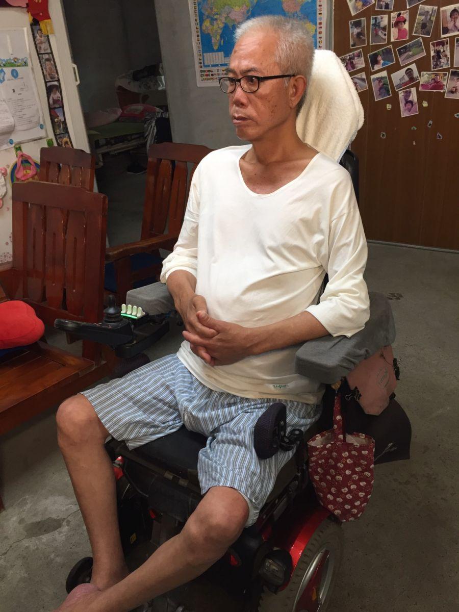 非典型的漸凍症病友李大哥認為溝通輔具是最大的生活痛點