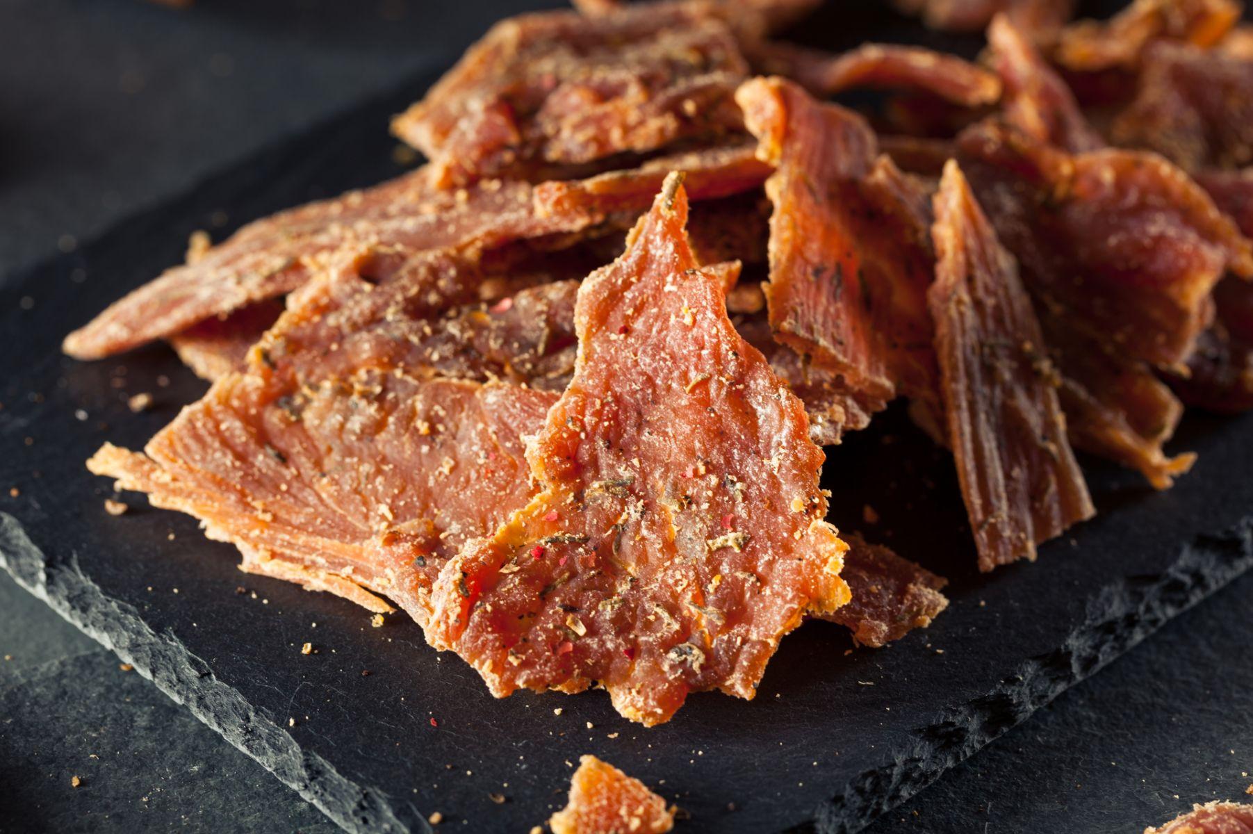 肉乾最多吃4片!鈉含量超標易增心臟病風險