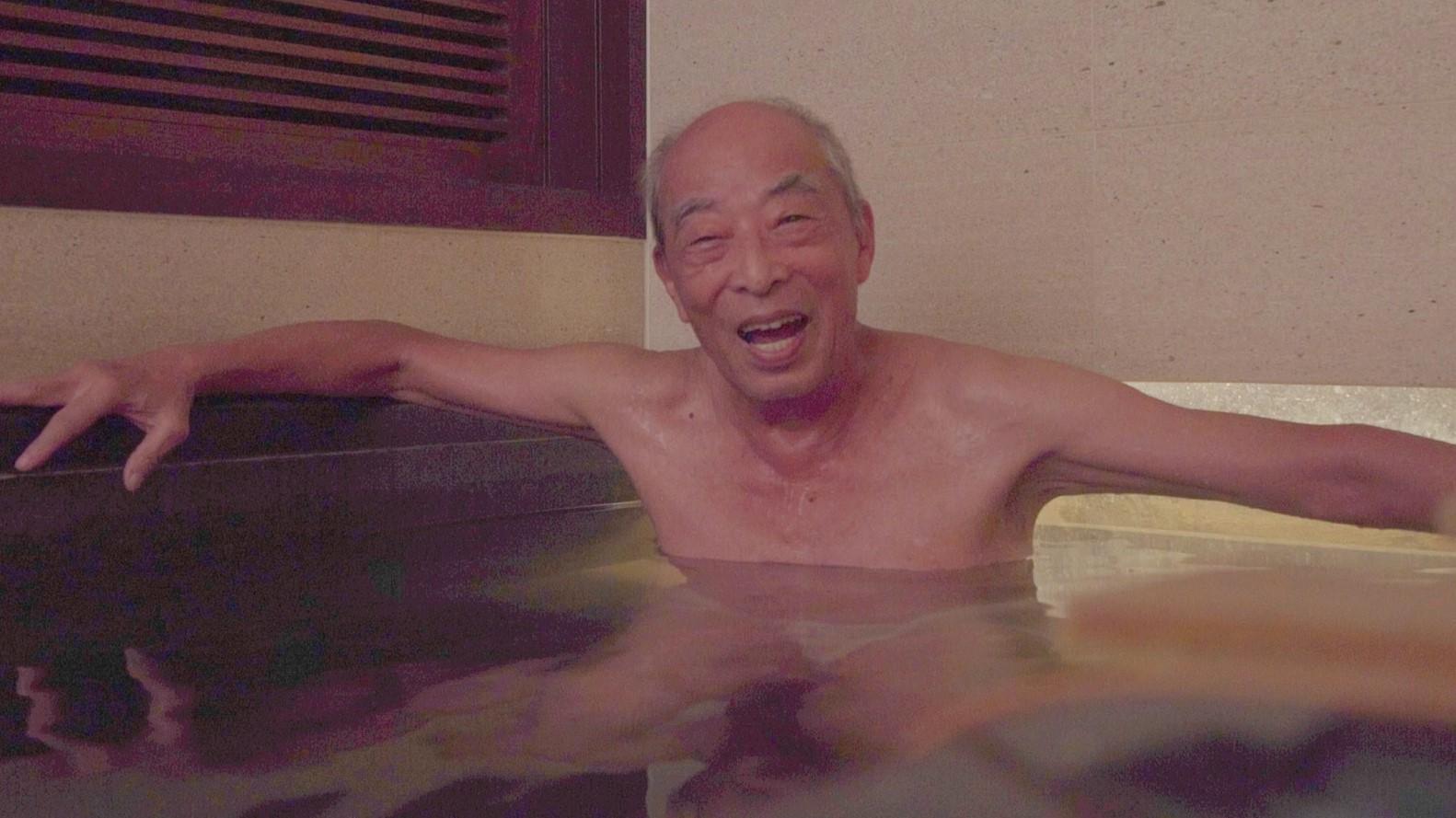 夜衝、跑山、喝酒…85歲時,你的人生可以這樣過!