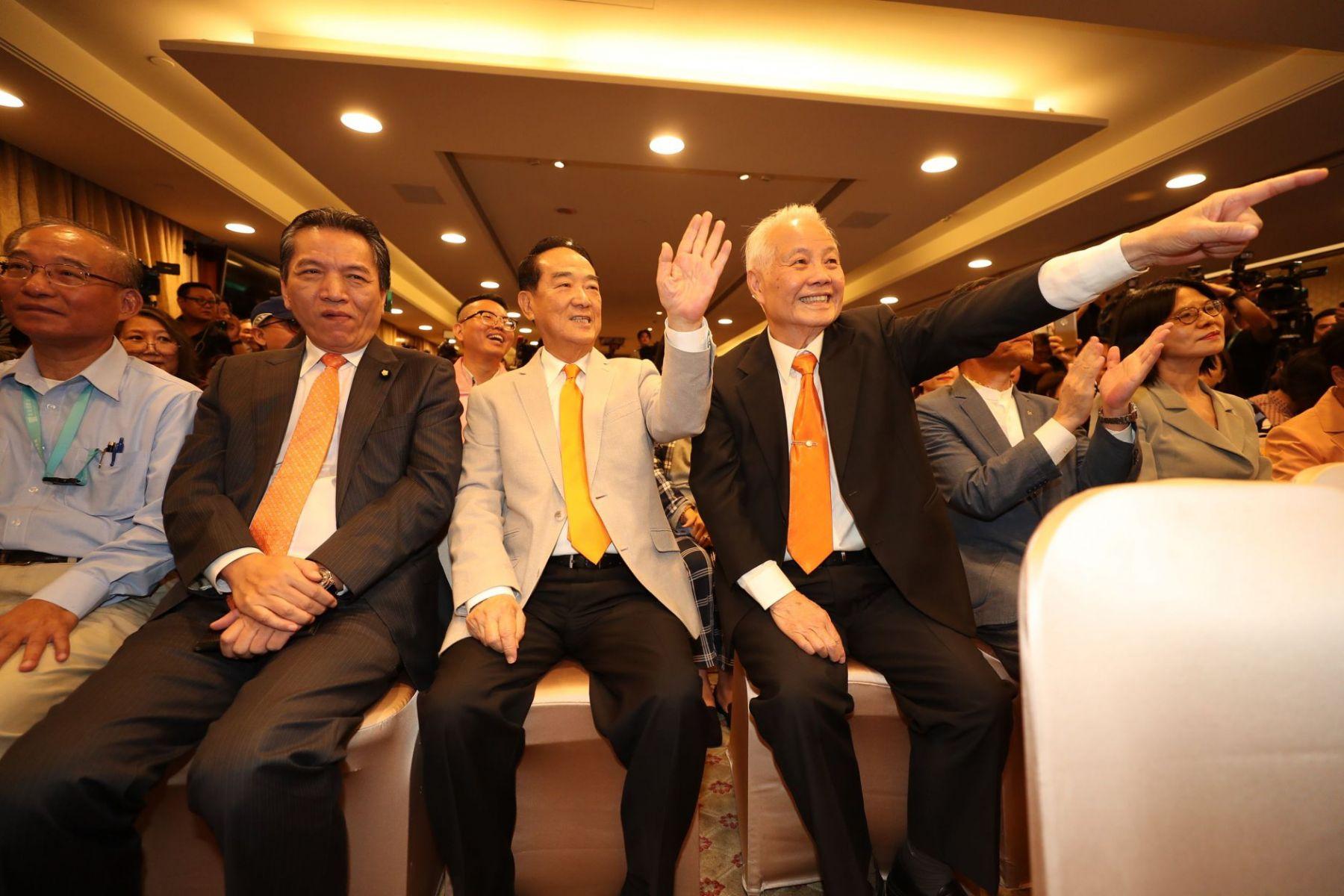 處處見「郭台銘」人馬!宣明智列第3、劉宥彤排第4 親民黨不分區名單出爐
