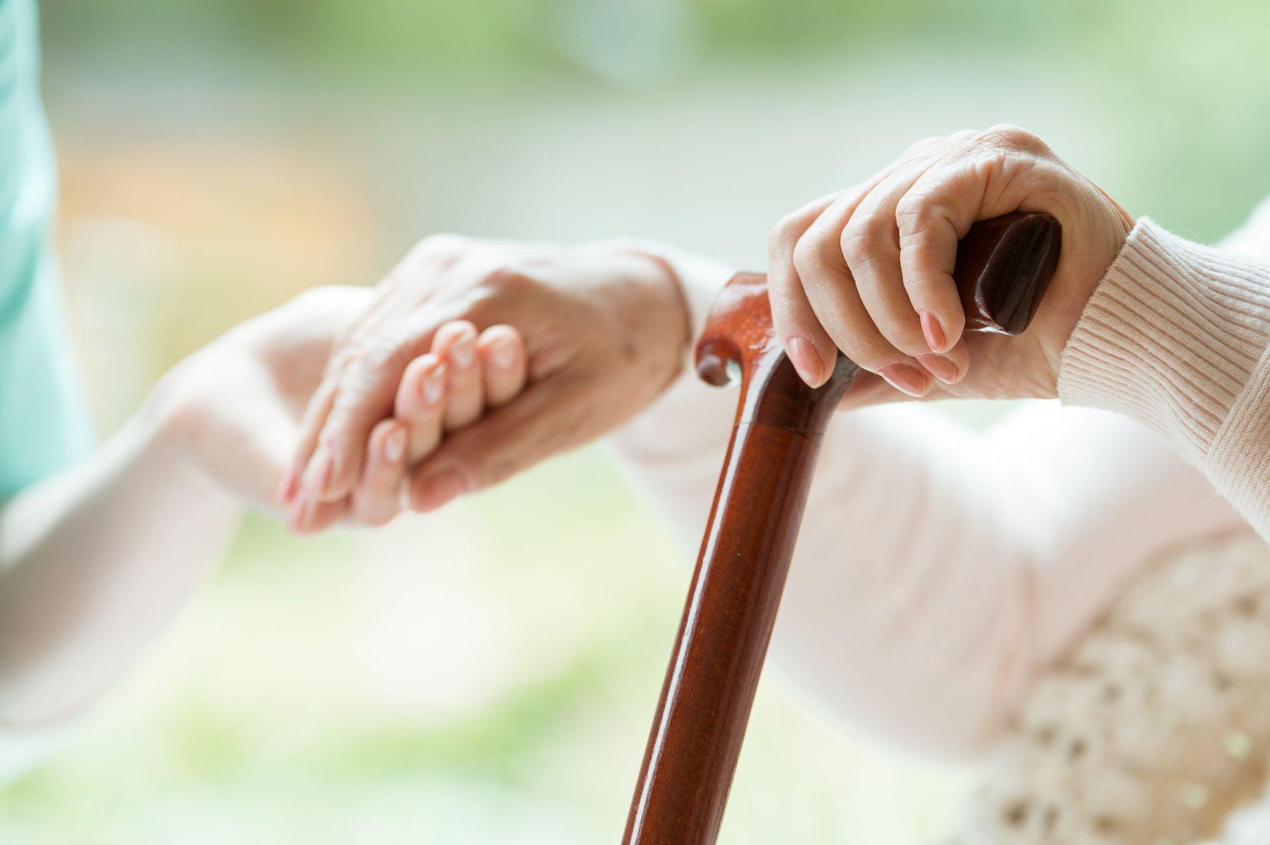 骨質疏鬆症該如何預防及治療?醫師教你完整掌握5大關鍵