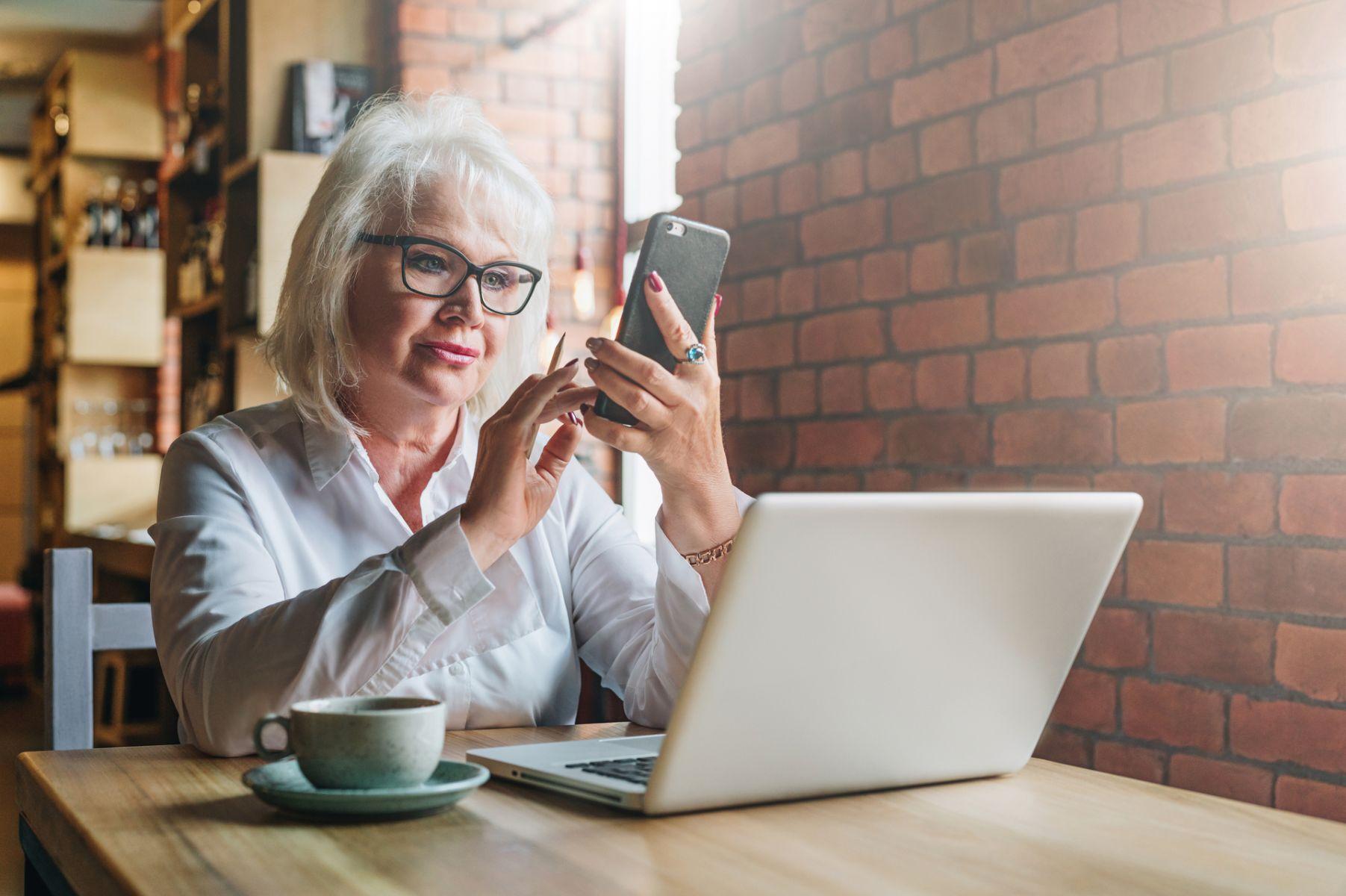 50歲就被公司逼退…從失望離去到重回職場 她再學到寶貴一課
