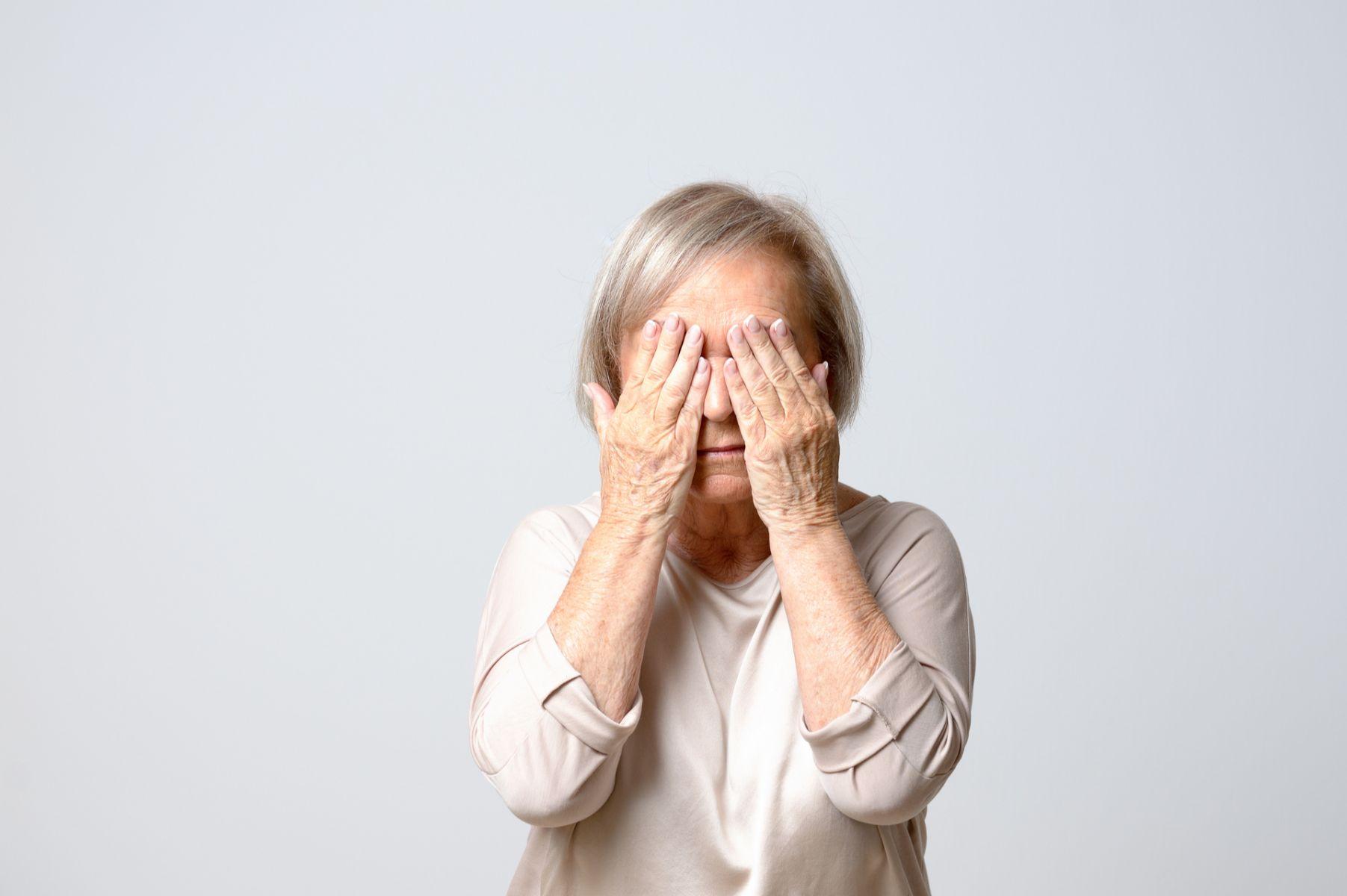 換回年輕時的「炯炯有神」!談中老年人雙眼皮手術