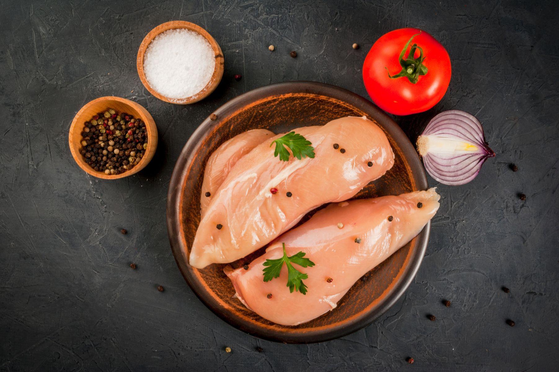 想嘗試雞肉刺身?先了解背後的巨大風險!