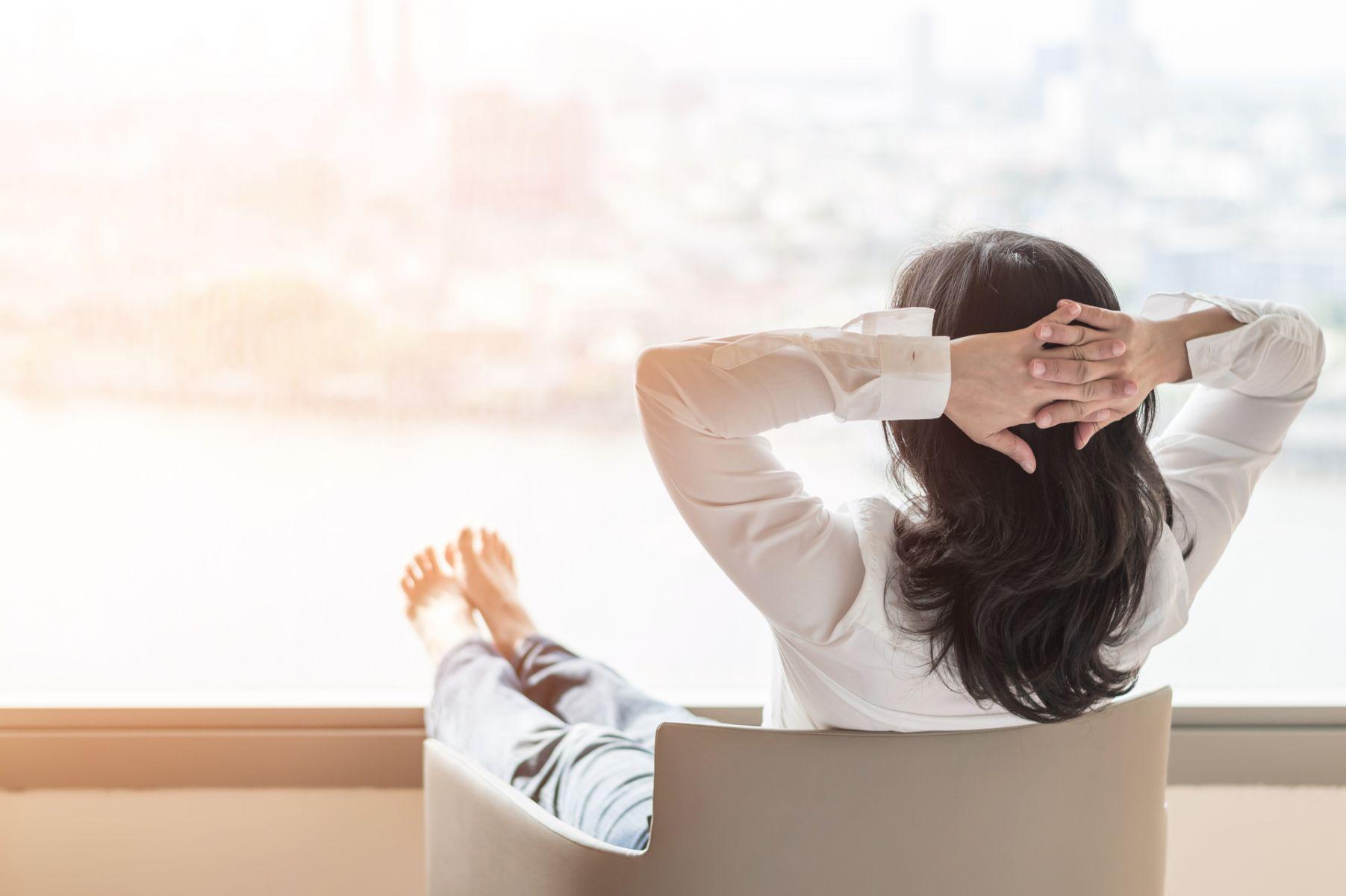 更年期症狀》女性必經之路!頭暈、心悸、疲勞和盜汗...妳擔心「停經帶來的不適」嗎?