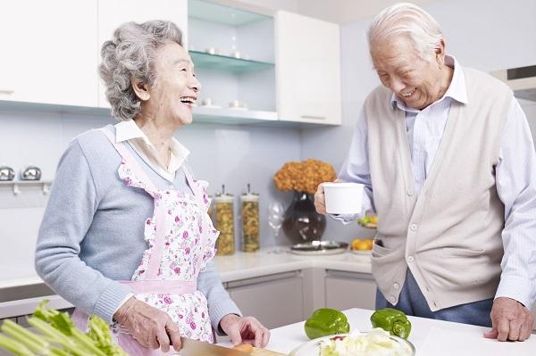 3個樂齡飲食原則,讓長輩開心享受美食!