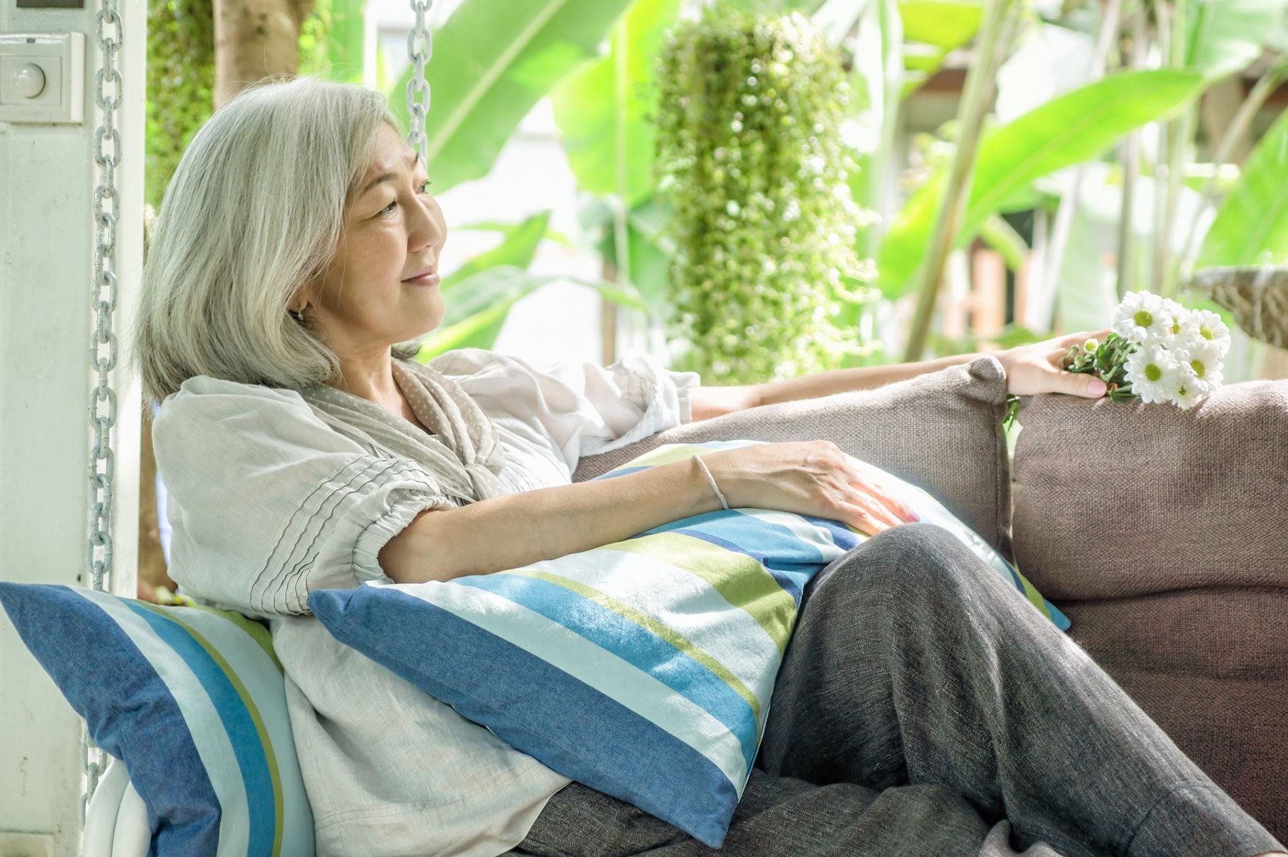 百歲阿嬤醫師的心靈雞湯:試著為他人貢獻而活下去吧!