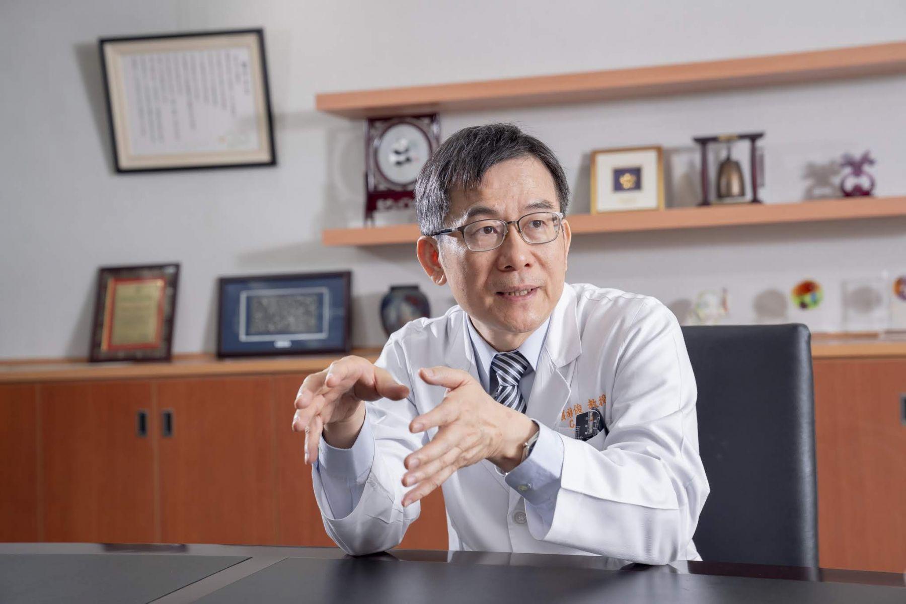 「老年性黃斑部病變」9成無法治療!醫師:護眼別等老了才開始