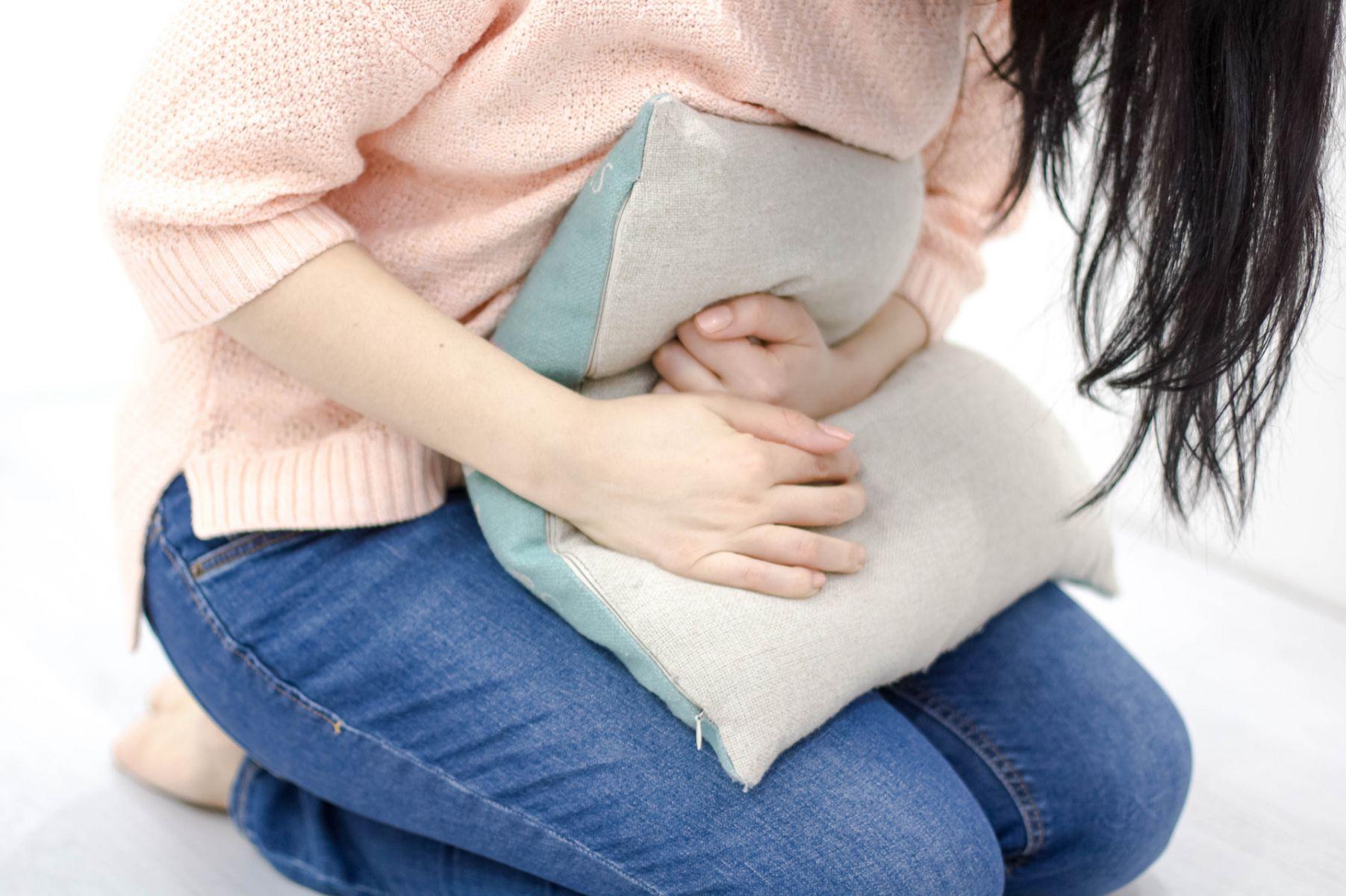 胃痛和腹痛如何區分?該緊急就醫或自我緩解?醫師完整教學!