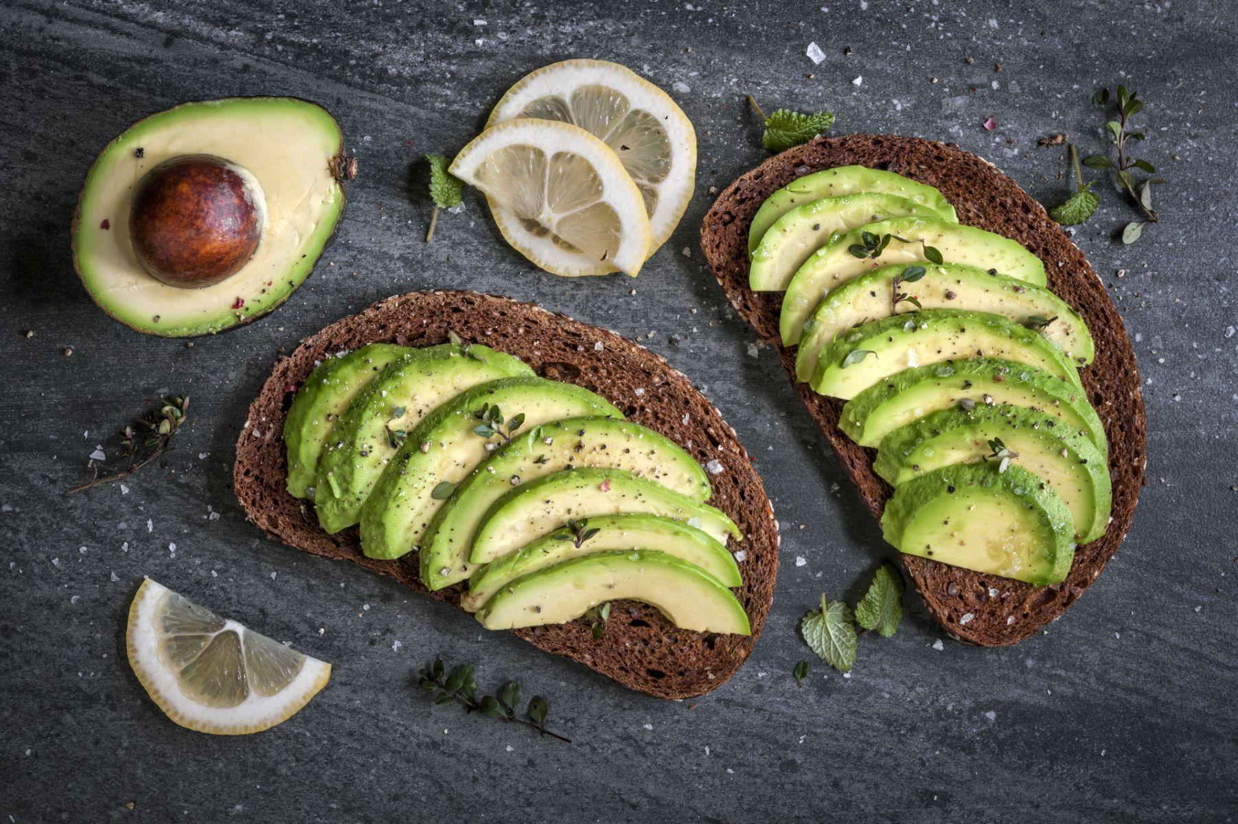 對抗膽固醇!酪梨8大功效,顧心臟、抗發炎,也是防癌好幫手