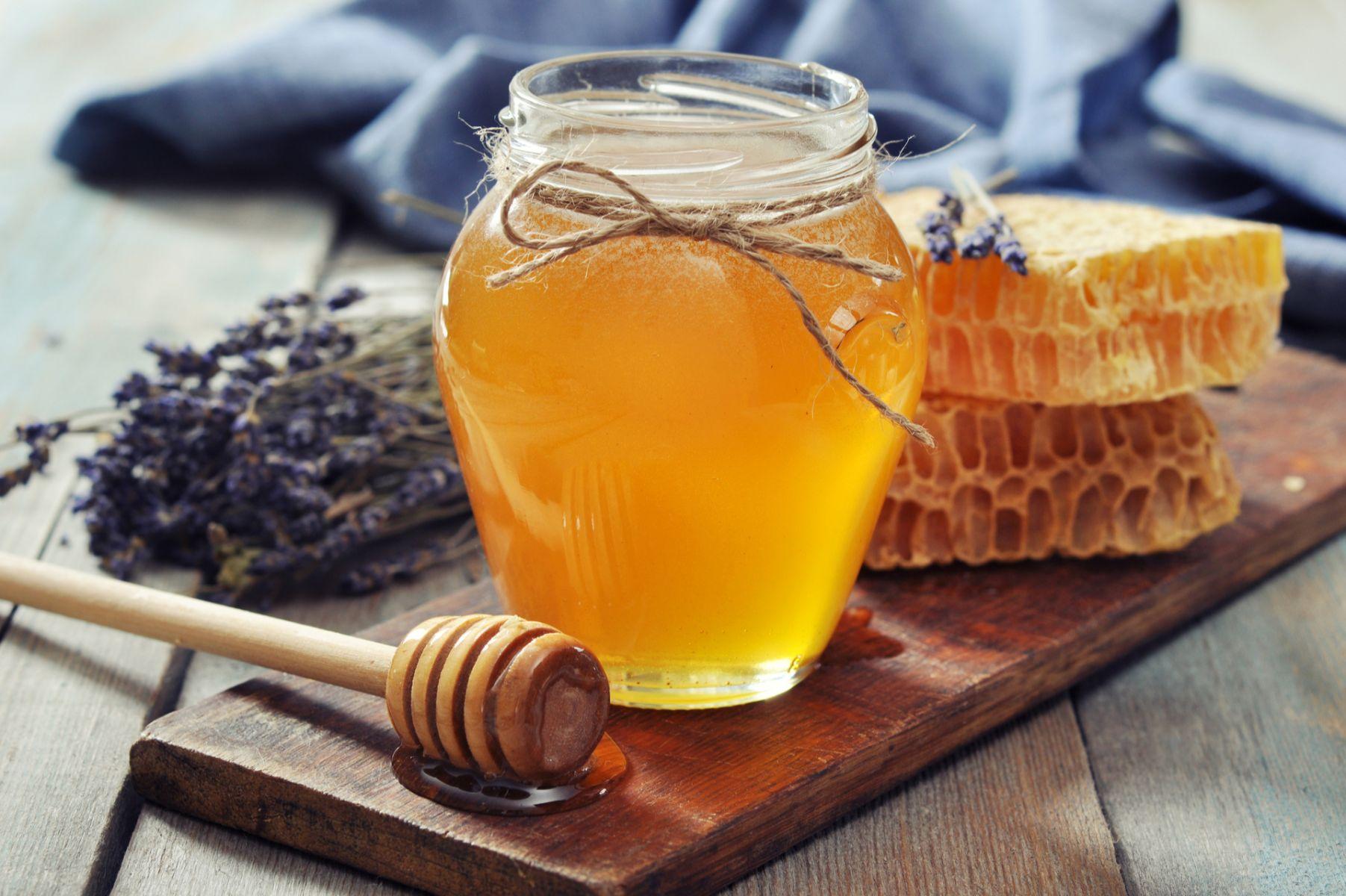不純砍頭?小心錯誤保健2迷思 蜂蜜養生食療搭配生薑、牛奶吃,養生一級棒