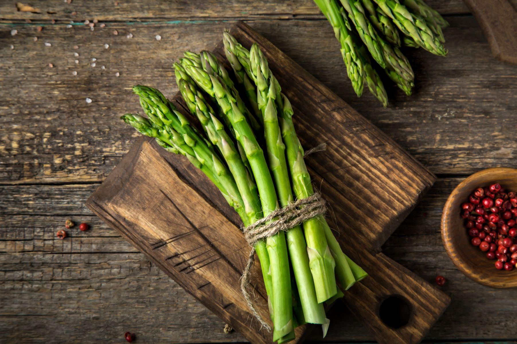 吃蘆筍也可以紓壓入睡?認識這幾種讓你「開心」的保健素材吧!