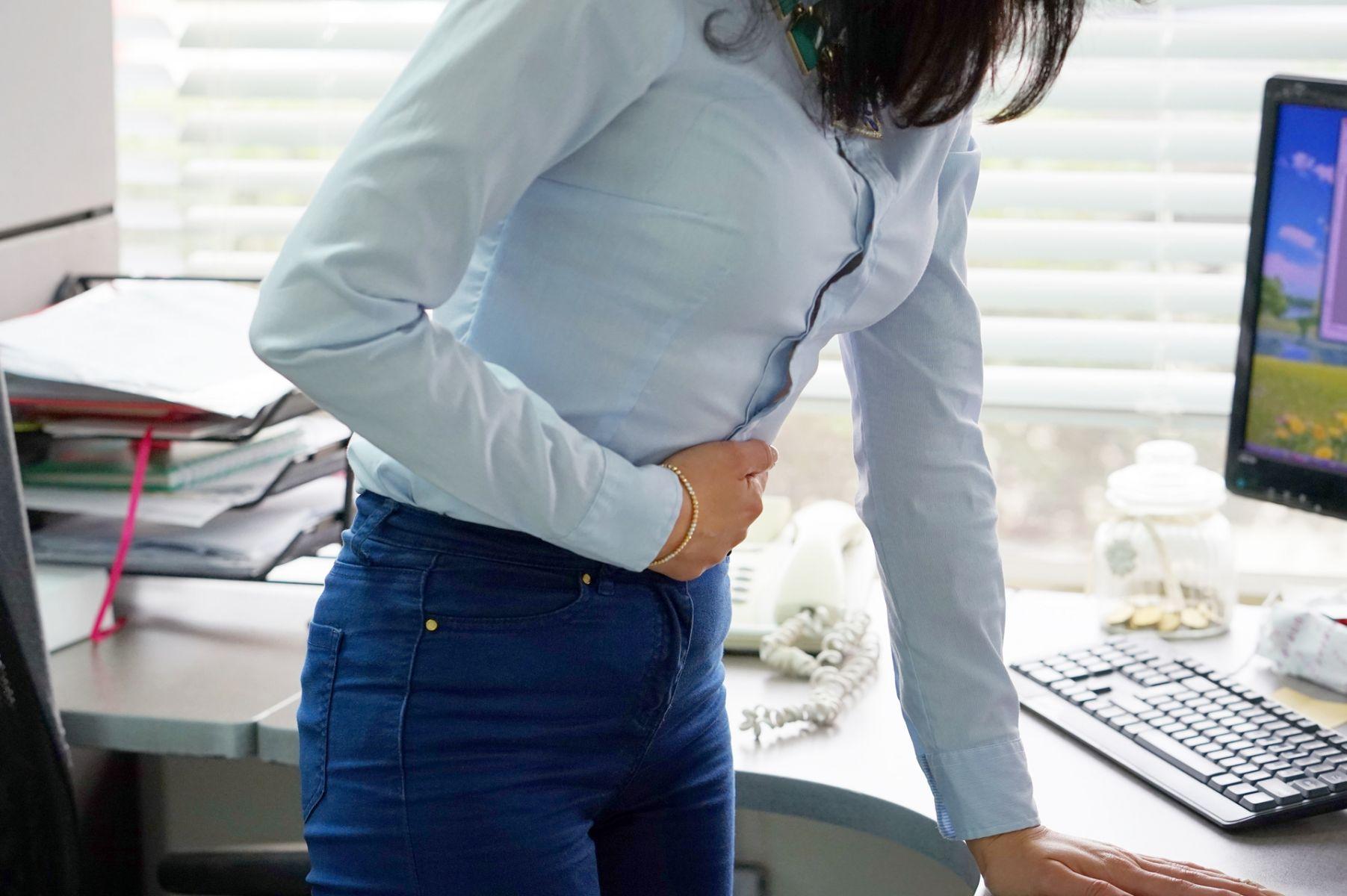 經痛怎麼辦?教你六招辦公室也能做的穴位按摩