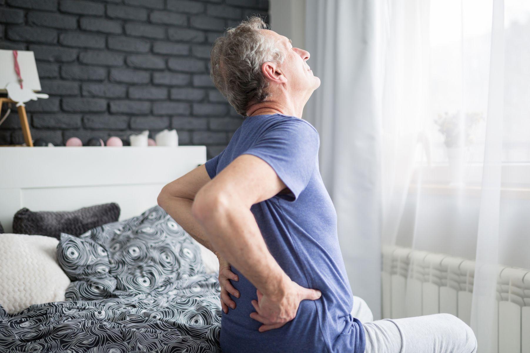 錯把直腸腫瘤當痔瘡 阿公強忍疼痛坐立難安