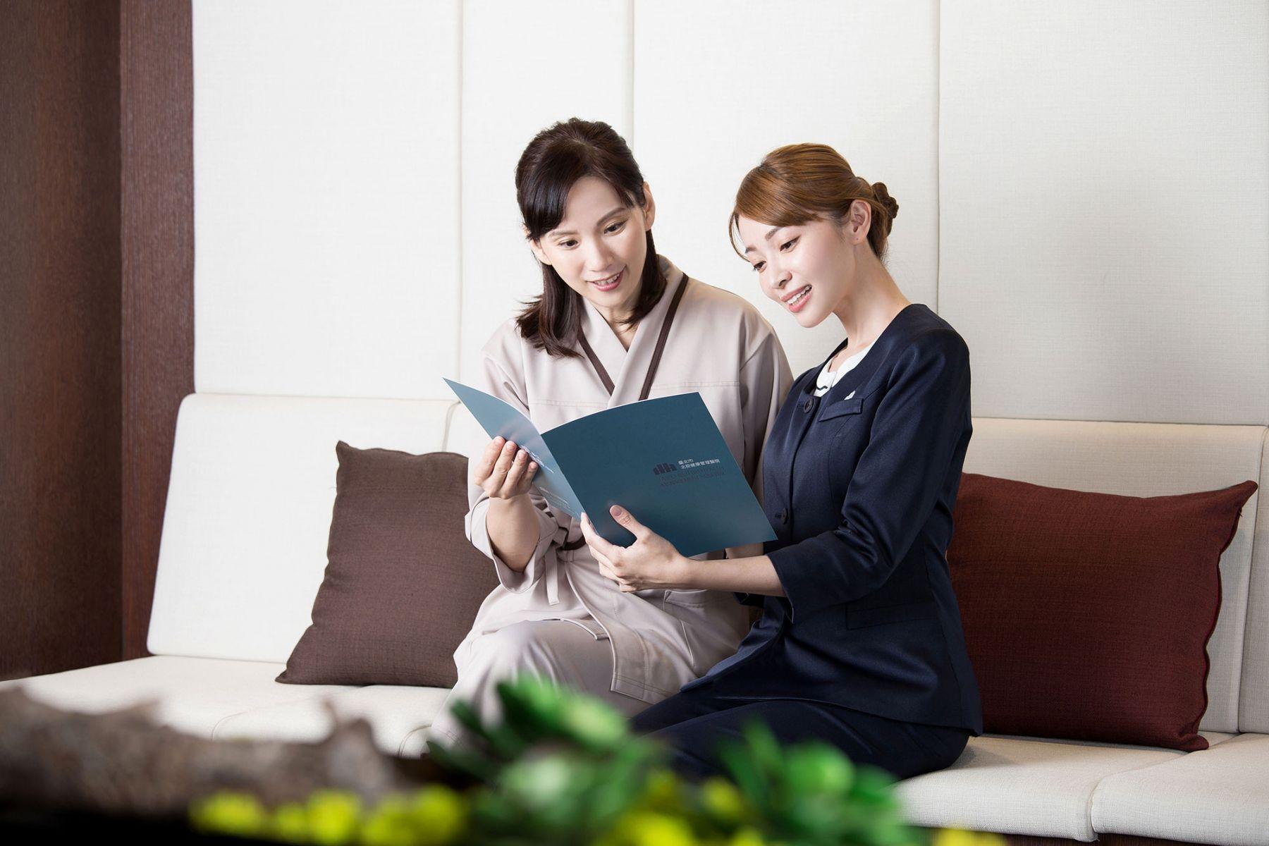 外國客比例高 主管帶頭開讀書會練英文!
