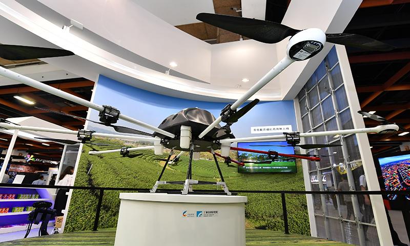 工研院「高負載高續航商用無人機」獲CES 2019創新獎,適合物資運送與其他高載重產業需求。