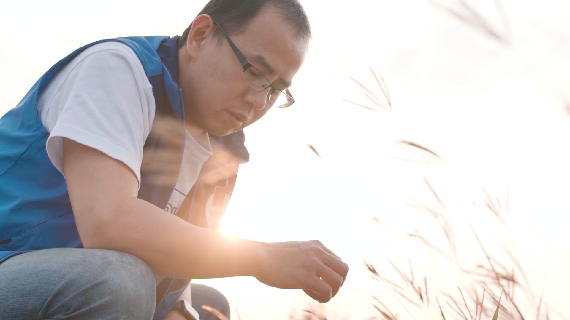 擁有日本水田環境鑑定士、米食味鑑定士的簡碩宏,是目前日本海外唯一拿到雙證照的專家。