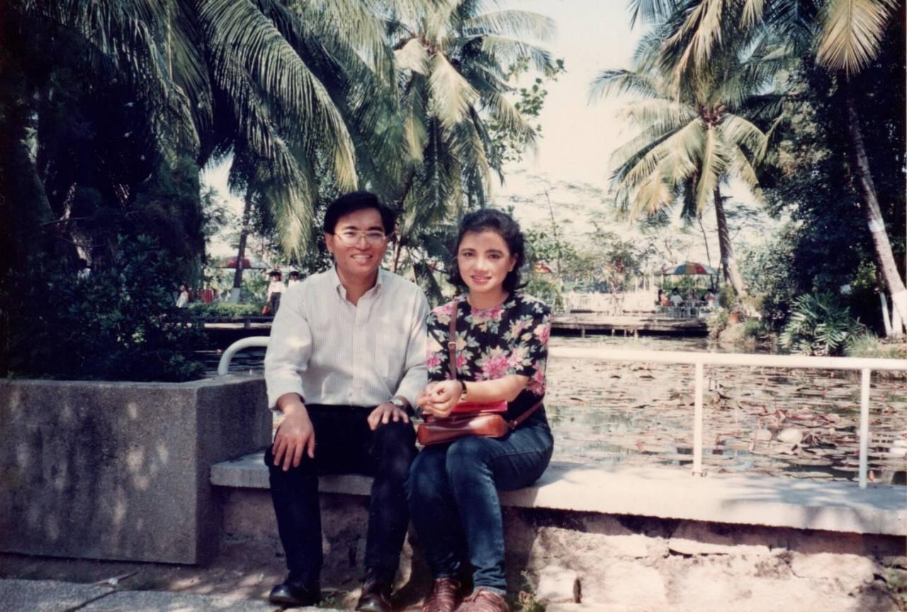 陳凰鳳與外派越南的台灣人簡志榮相識相戀