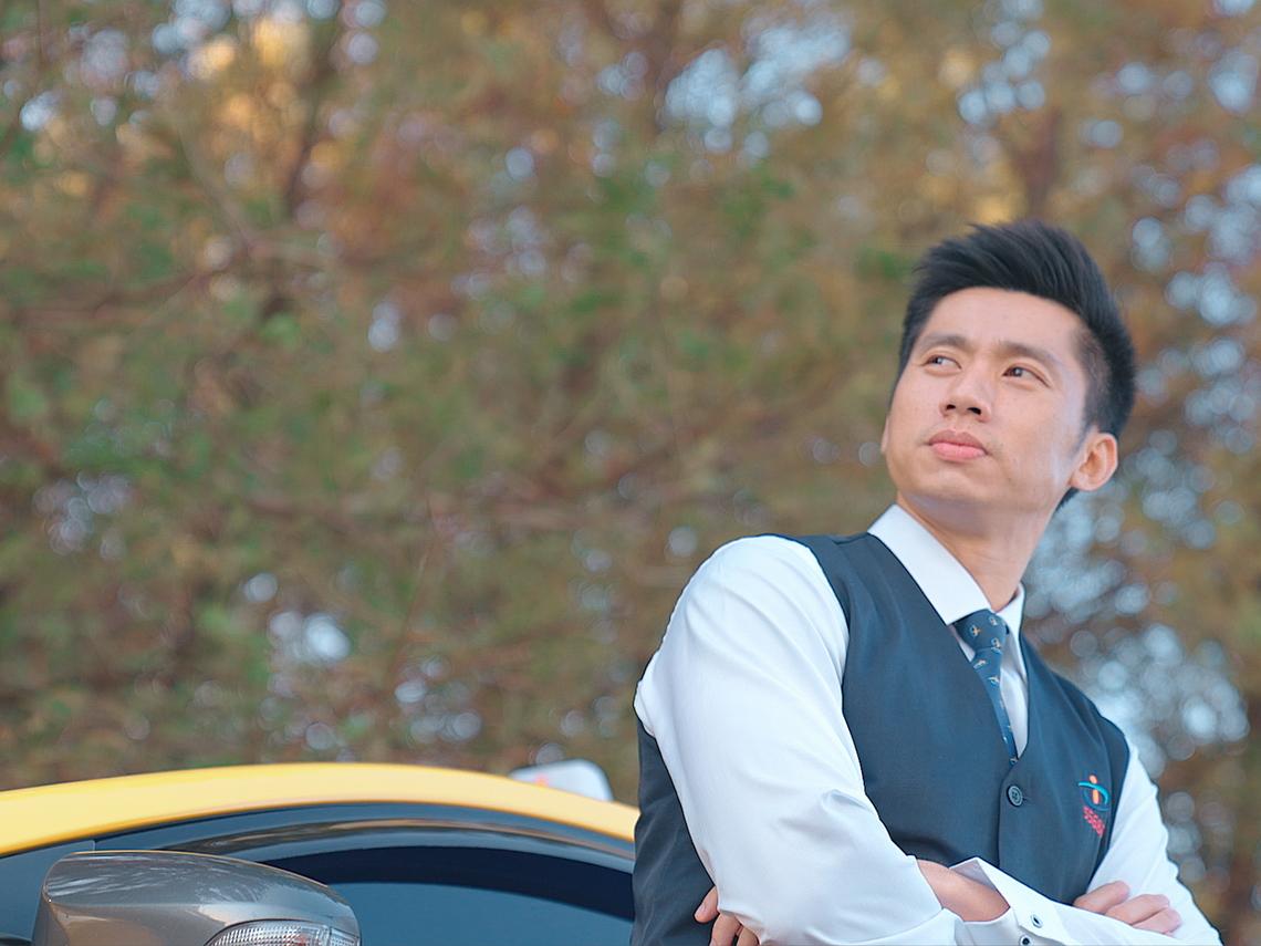 打破計程車司機刻板印象 33歲的他用手機出了一本書