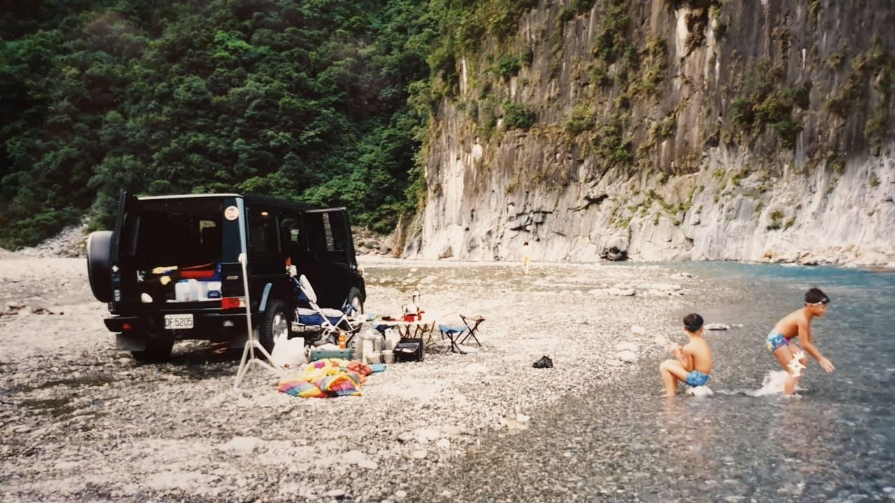 李銘煌常開越野車,帶著全家人到花蓮台東旅遊。