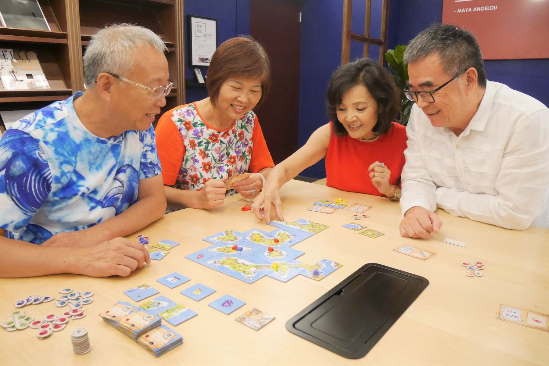 活化腦力、增加人際互動 桌遊設計師推薦三款祖孫同樂的遊戲