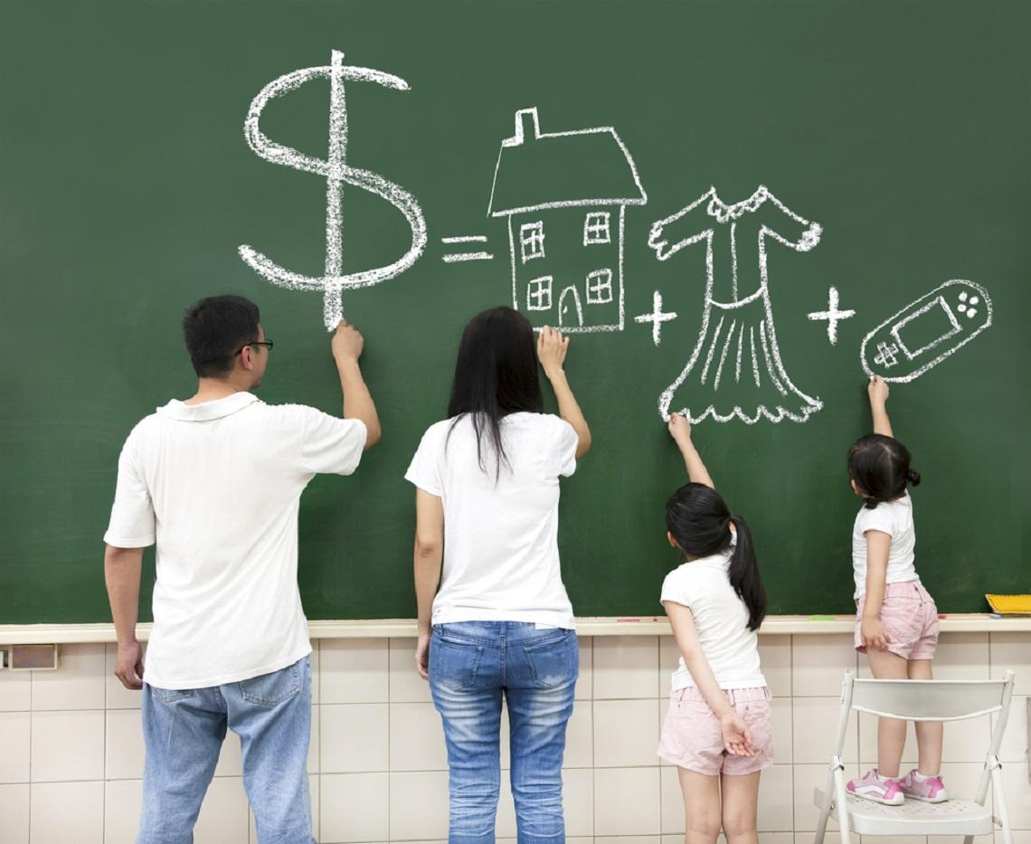 薪水被孝親費榨乾!月領10萬OL表示「父母有工作不用給」 引爆網路筆戰